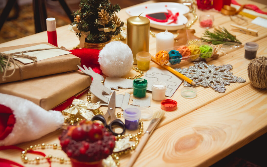 Seniors: Get Crafty This Holiday Season