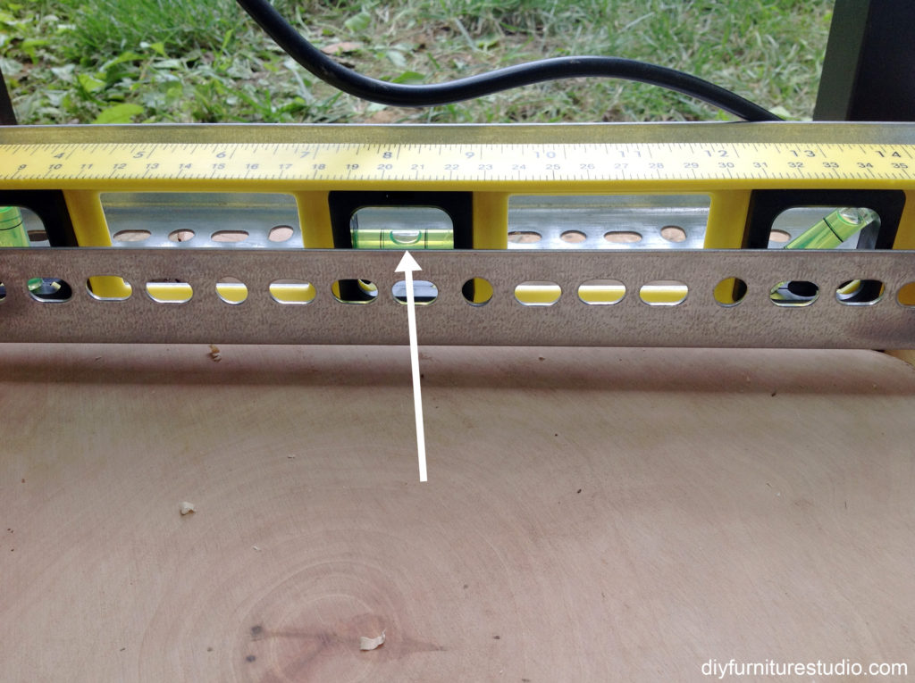 leveling the router sled