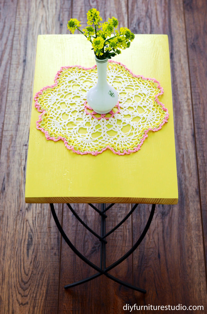 Easy Side Table with Magazine Rack