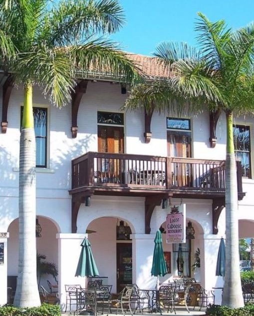 Boca Grande Eats - The Loose Caboose