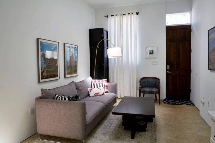 E1507 Life with art, Living Room