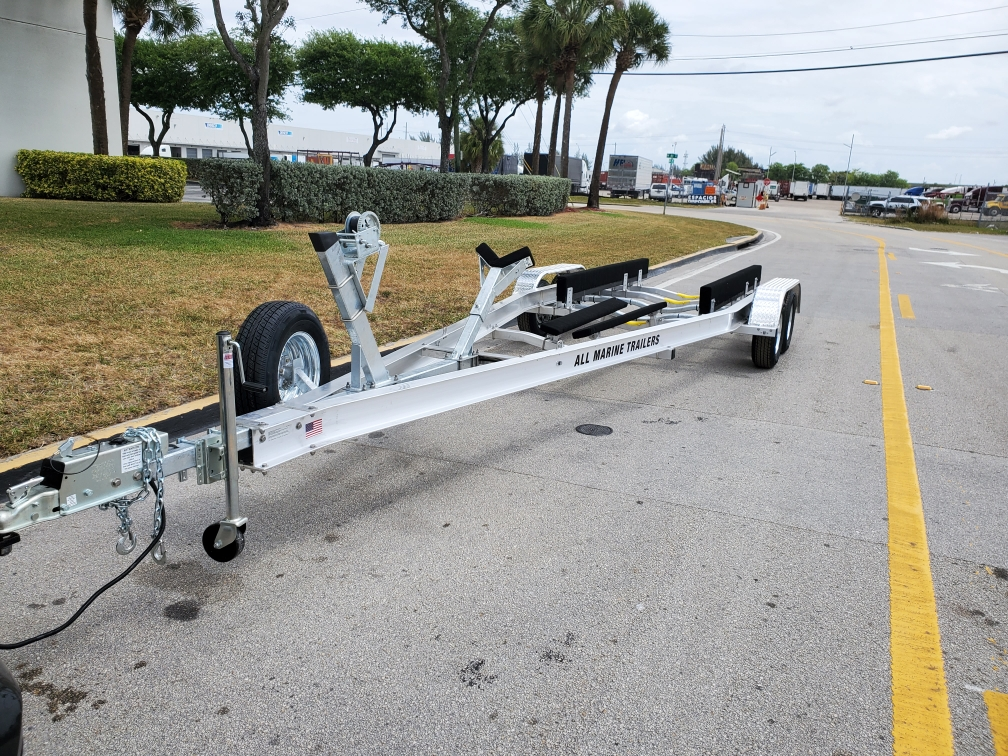 TANDEM AXLETRAILERS WITH BRAKES