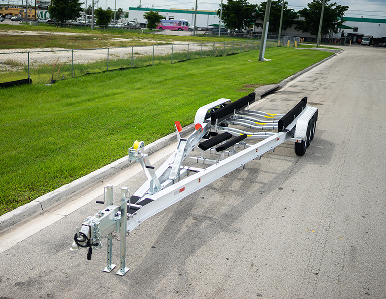 TRIPLE AXLE TRAILERS WITH BRAKES