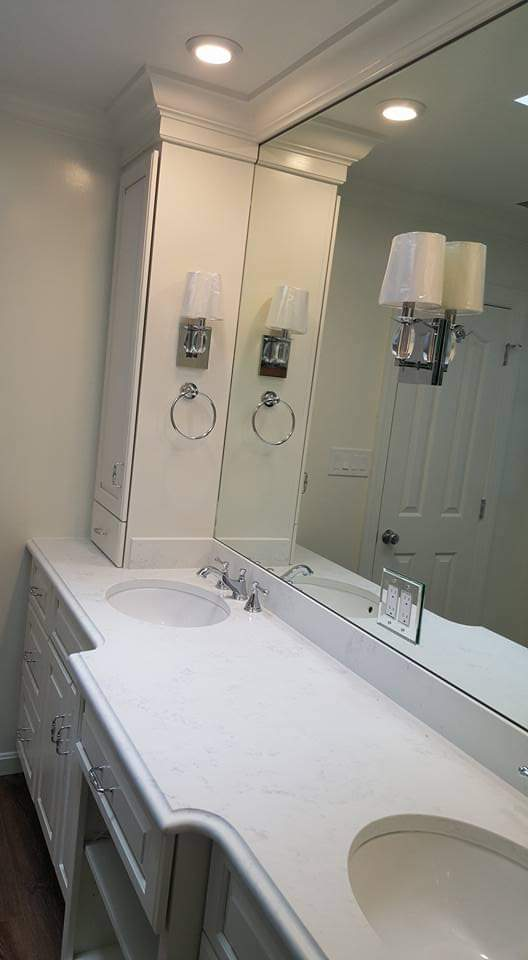 DOUBLE SINK BATHROOM (2)