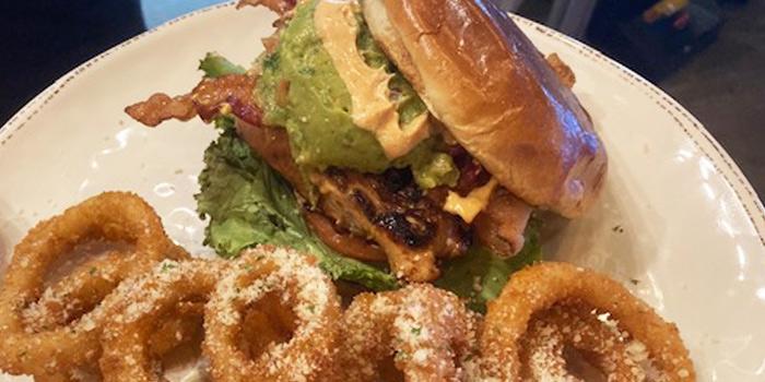 tavern-blue-burgers