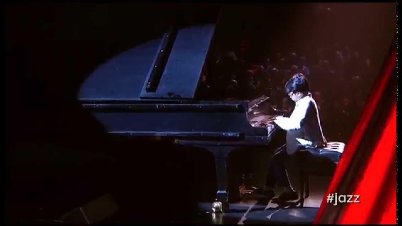 joey-alexander-on-piano-photo-1