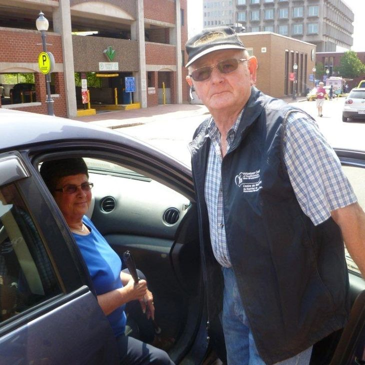 picture of a volunteer driver with a client