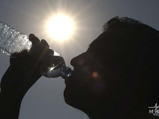 qué beber cuando estés deshidratado agua
