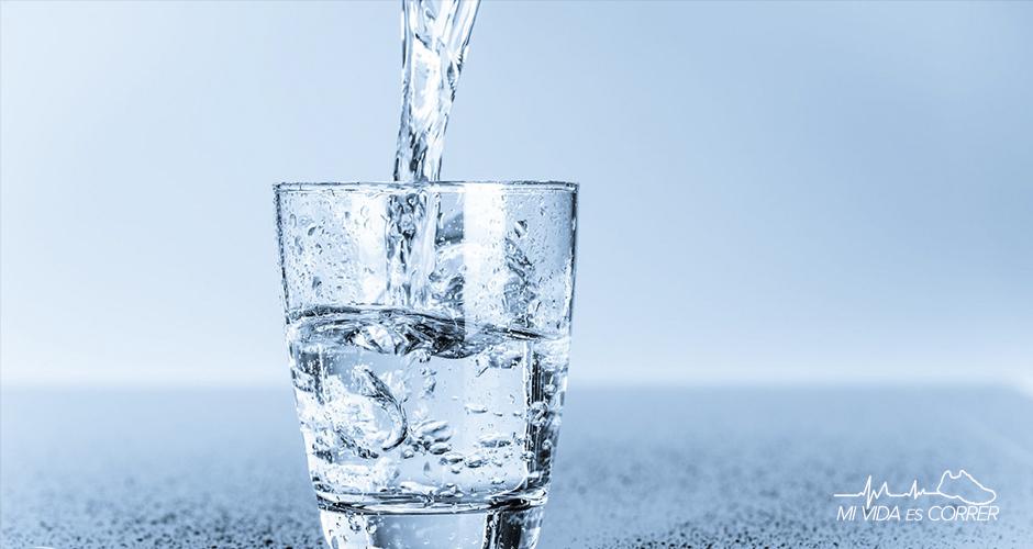 importancia de la hidratación durante las fiestas agua