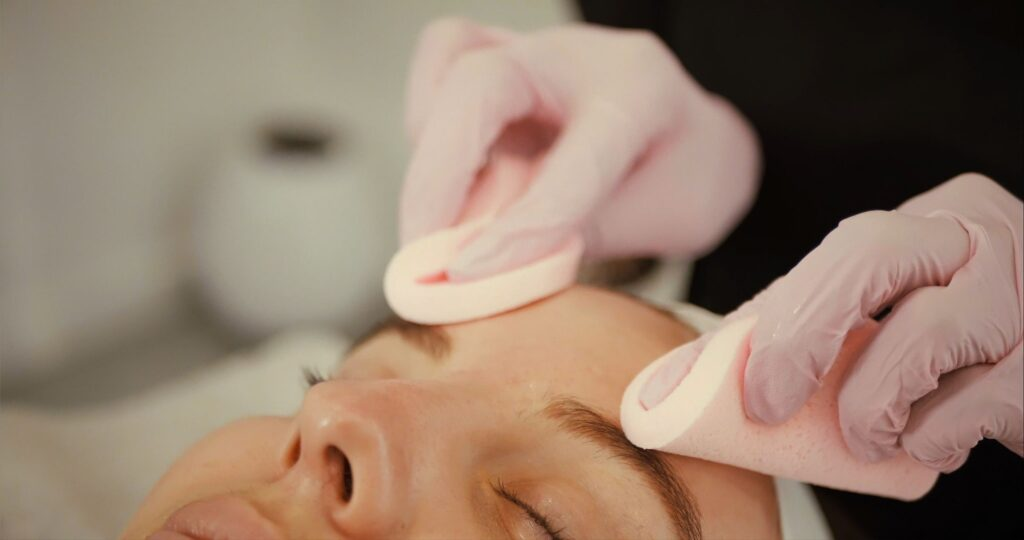 facial course in montreal and laval facial spa skincare clinic beauty salon acne pores hydration