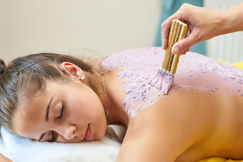 back care skin treatment on a woman at new age spa in montreal