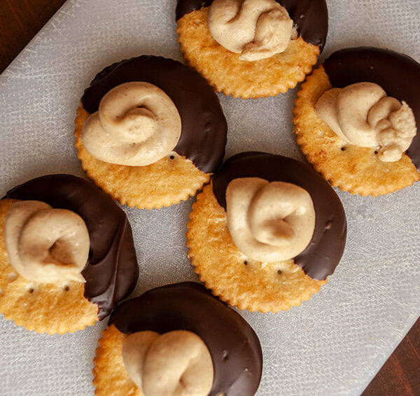 No Bake Chocolate Peanut Butter Crackers