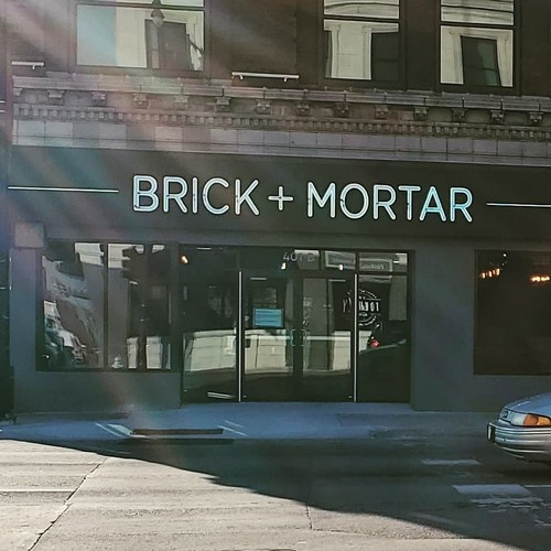 18 violations, employee placed her finger into a pot of honey to check the temperature, Brick +Mortar fails follow-up restaurant inspection