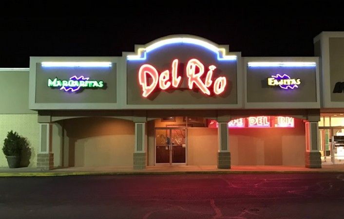 """Cafe Del Rio in Pittsburg bumbles inspection; """"A roach crawled from under the grill/fryer area across the floor to under the make table,"""" 9 violations"""