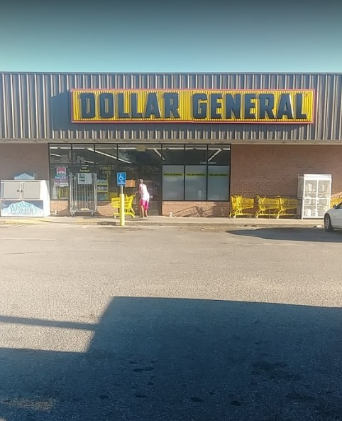 Dollar General in Wichita fouls state inspection; over 100 fresh mouse droppings on floor and metal shelf in storage room