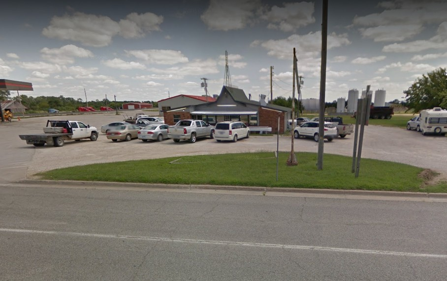"""Complaint sends inspectors to Chancy's Grill & Shake in Moran; """"Fresh rodent droppings: approximately 19 in the office by the kitchen, on the floor under the television"""""""