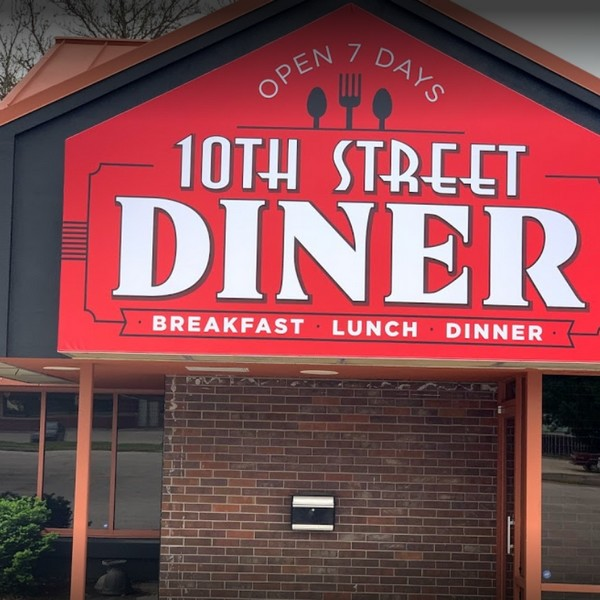10th Street Diner in Leavenworth inspection; Employee outside returns to work doesn't wash hands, Industrial can opener has a buildup of debris on the blade