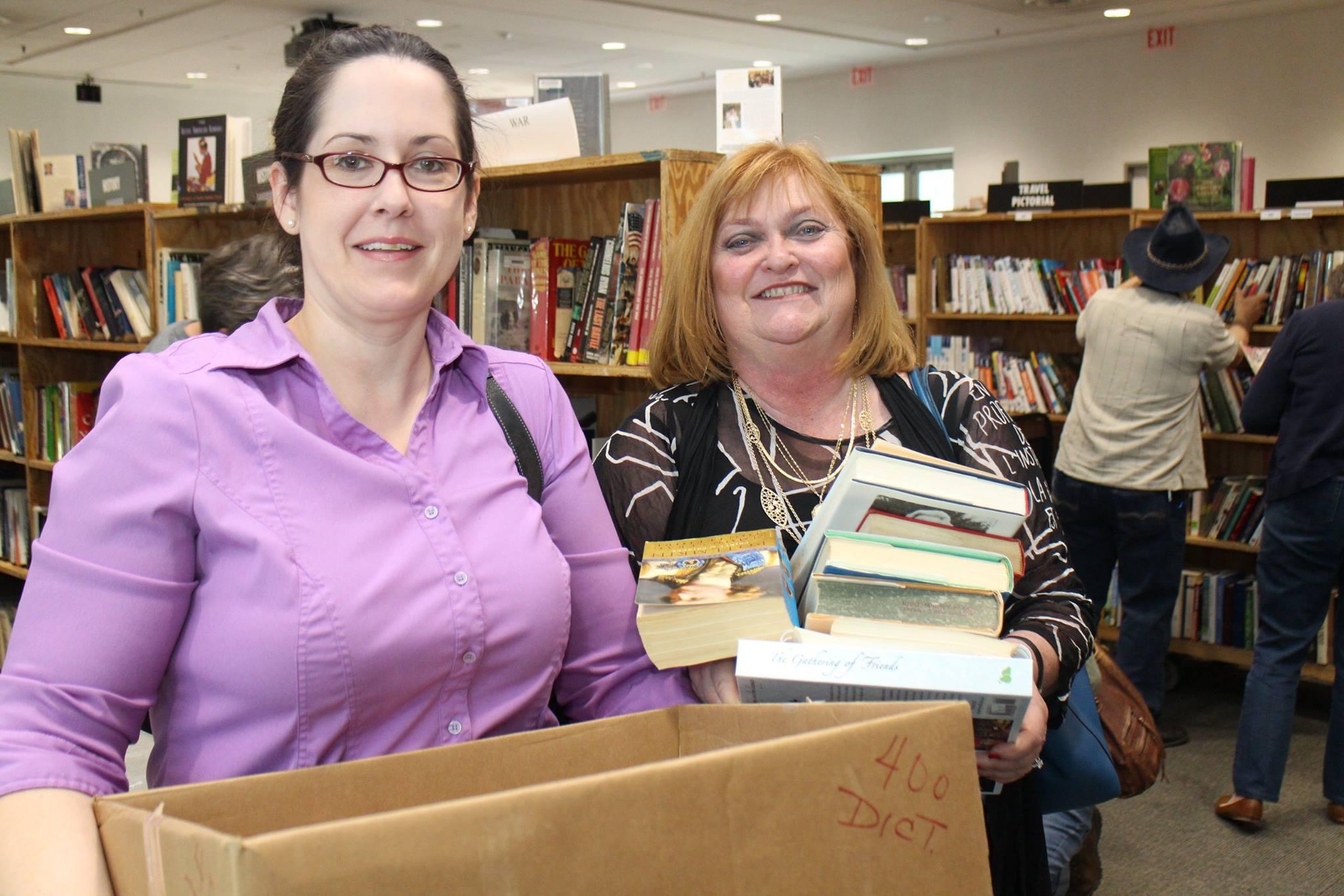 Book Sale Shoopers Photo