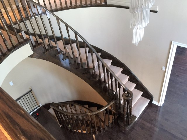 Foyer/Stairs – BEFORE