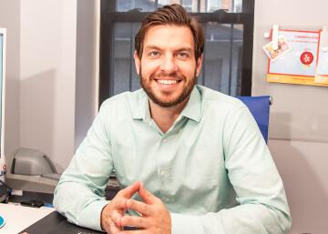 Dr. Steve Giannoutsos