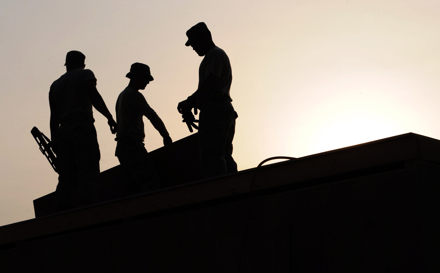 commercial roofing & exterior construction service companies