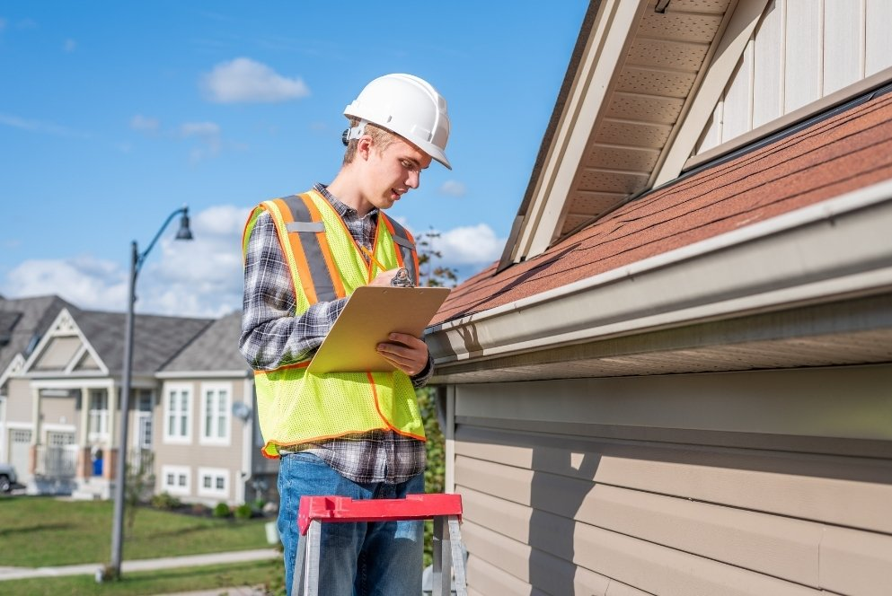 Signs that You Have Roof Damage that Requires Repair 2 1