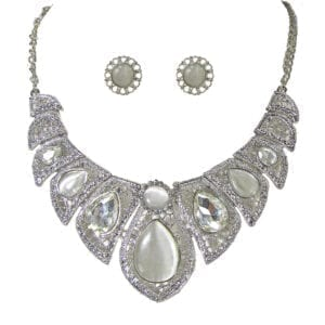 necklace and earrings with pearl and diamond gems