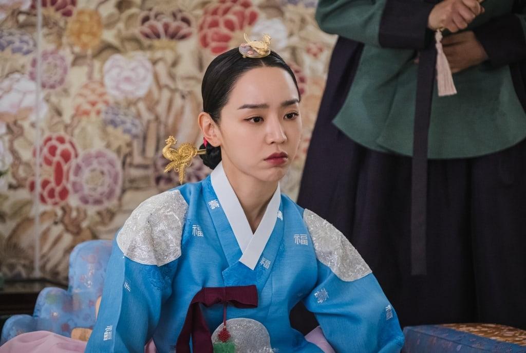 ทำความรู้จัก นางเอกซีรีส์เกาหลี Mr.Queen ชินฮเยซอน (Shin Hye-sun) ข่าวดารา ข่าวบันเทิง บันเทิง ไลฟ์สไตล์ รีวิวหนัง หนังน่าดู ShinHye-sun ซีรี่ย์Mr.Queen