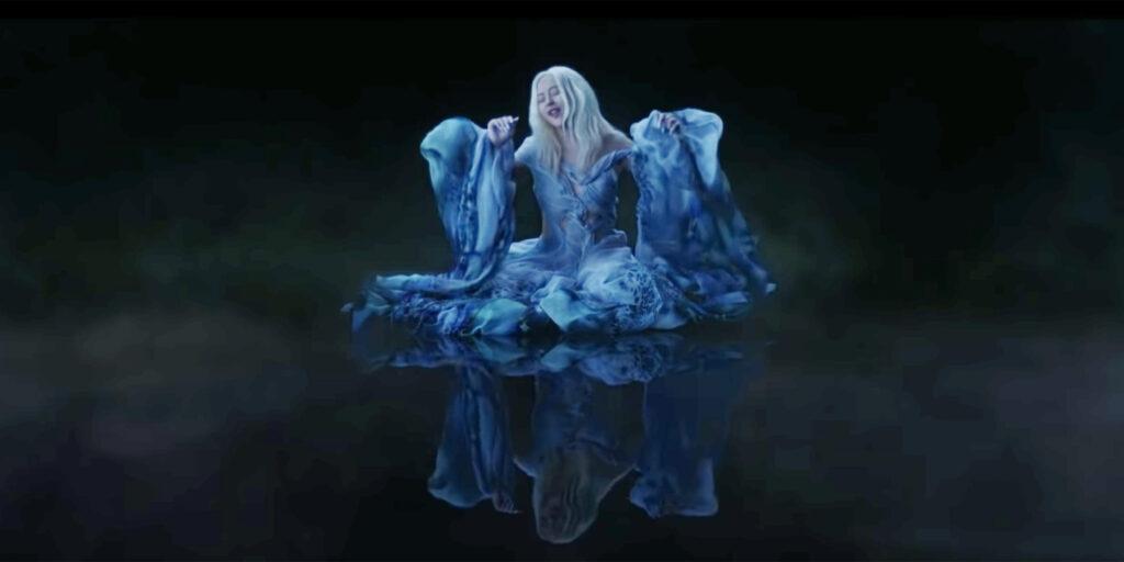 """ความดังที่ยังคงกังวานใจของเพลง """"Reflection – Christina Aguilera"""" ข่าวดารา ข่าวบันเทิง บันเทิง ไลฟ์สไตล์ รีวิวหนัง หนังน่าดู Reflection ChristinaAguilera"""