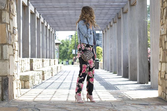 Summer Style, Summer Jumpsuit, Leopard Crossbody Handbag, Karen Walker Sunglasses, Summer Date Night Style