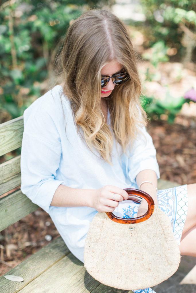 Blue Linen Tunic // Historic District Savannah, GA // Louella Reese Life & Style Blog