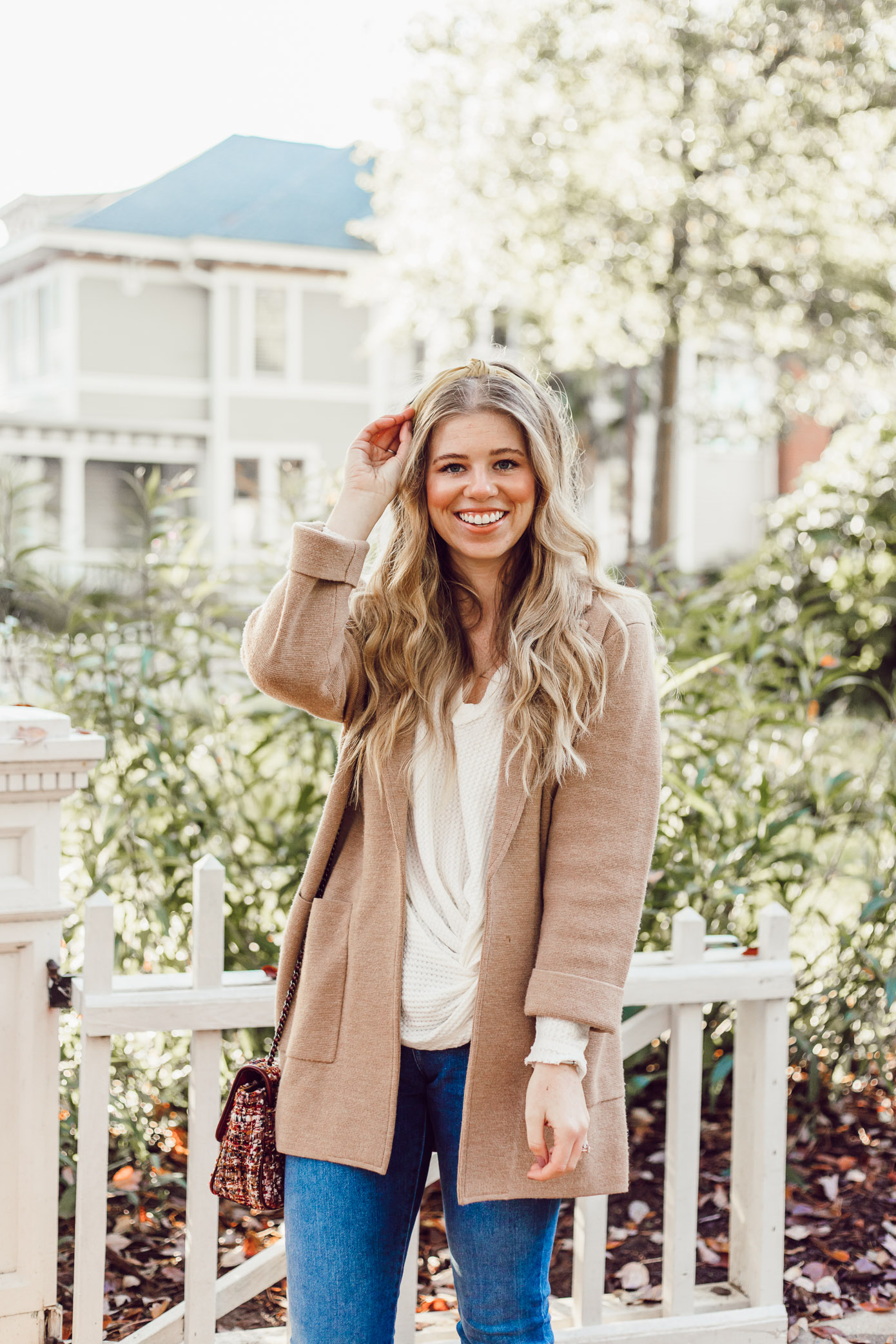 Casual Thanksgiving Outfit Inspiration   Styling a Headband for Fall, Casual Sweater Blazer featured on Louella Reese