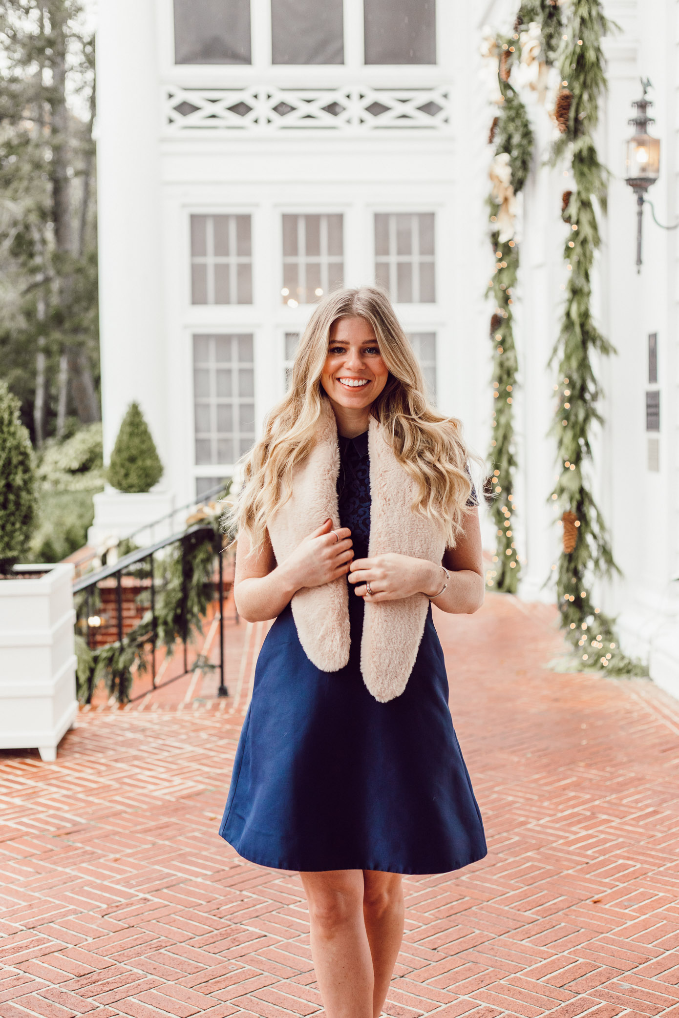 Finding the Perfect Holiday Party Dress with Rent the Runway on Louella Reese | Navy Lace Mini Dress, Christmas Party Dress, Faux Fur Stole