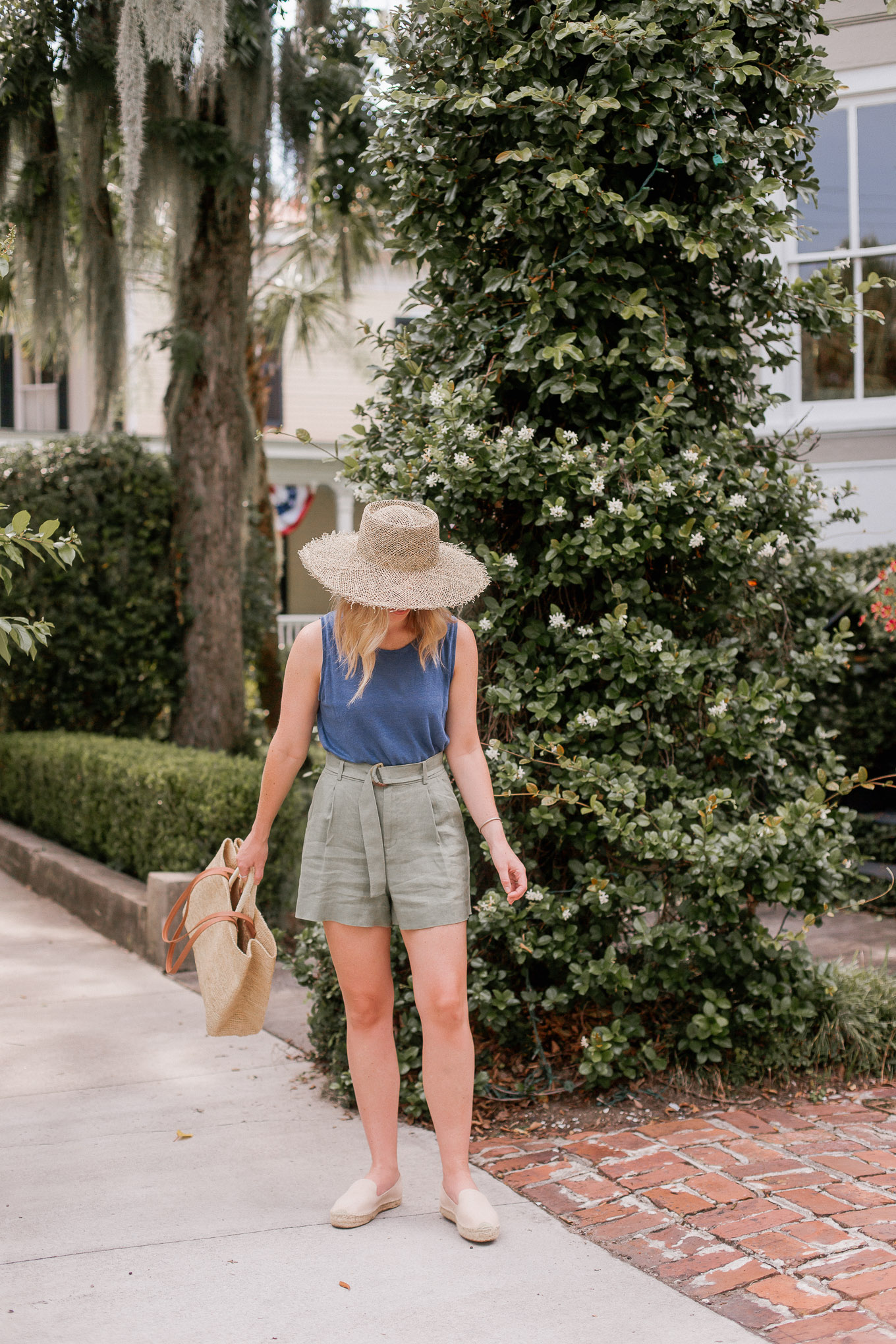 Recent Looks JuNE 2020: Linen Tank, Linen Shorts, Wide Brim Woven Hat   Louella Reese