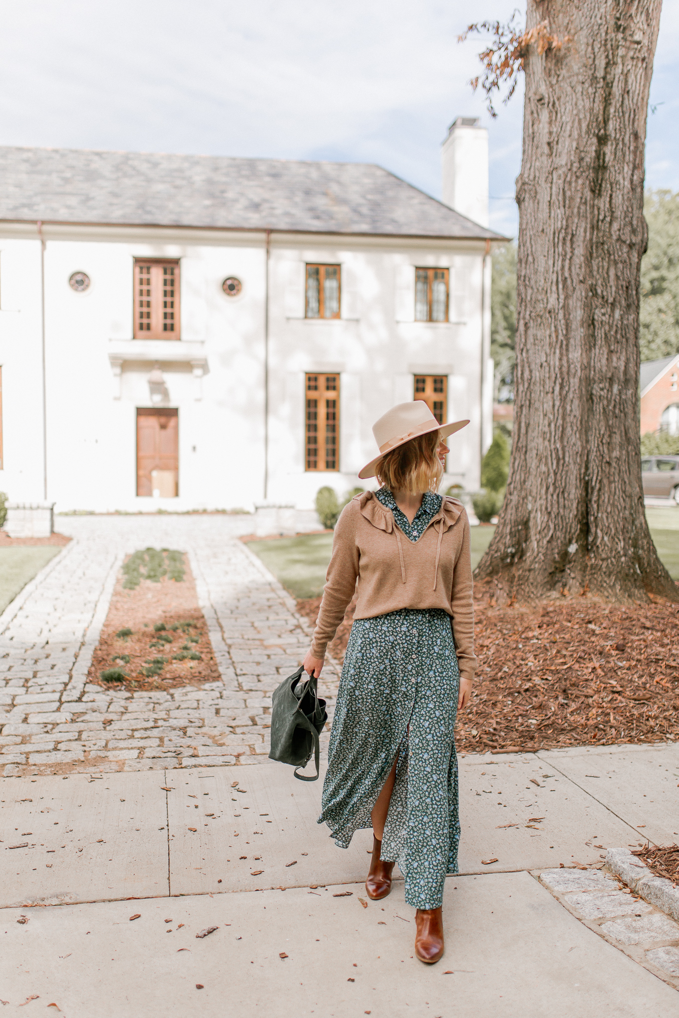How to Style Maxi Dresses for Fall | Channeling My Inner Beth Dutton from Yellowstone