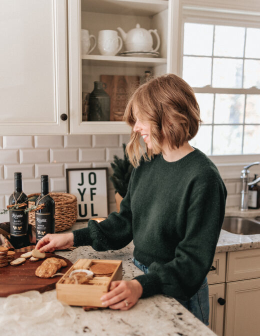 How to make a Christmas Cookie Bento Box | Homemade Christmas Gift Idea | Louella Reese