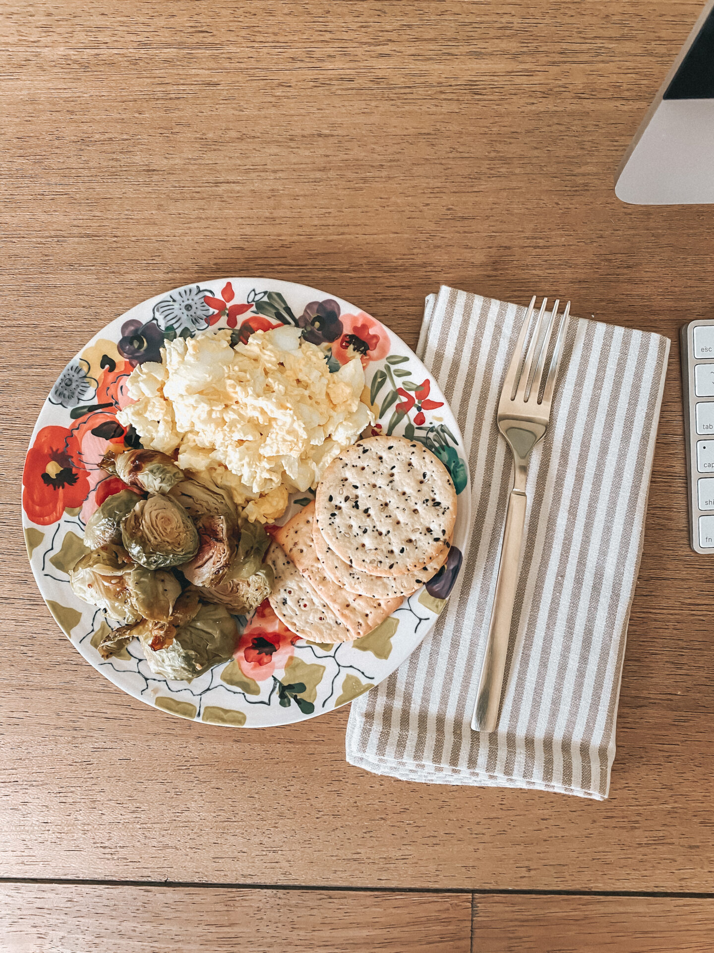 WhatI Eat in a Day, Healthy Lunch | Louella Reese