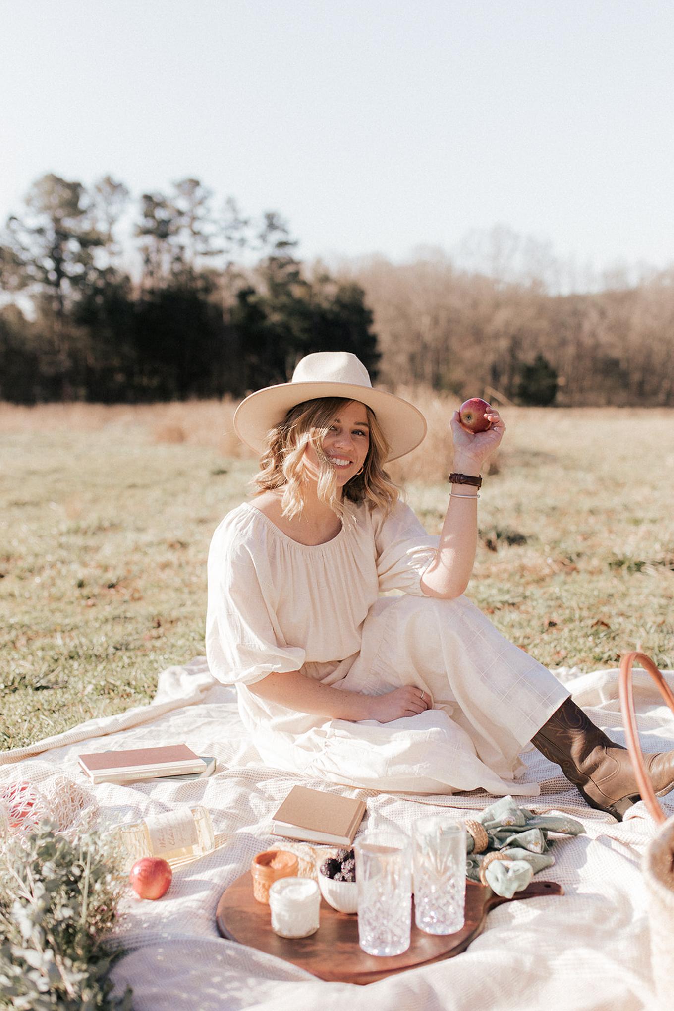 Summer Picnic Supplies & Simple Menu | Louella Reese
