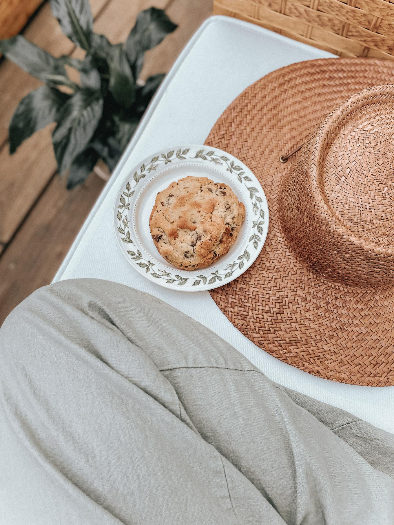 BEST Chocolate Chip Cookies | Louella Reese