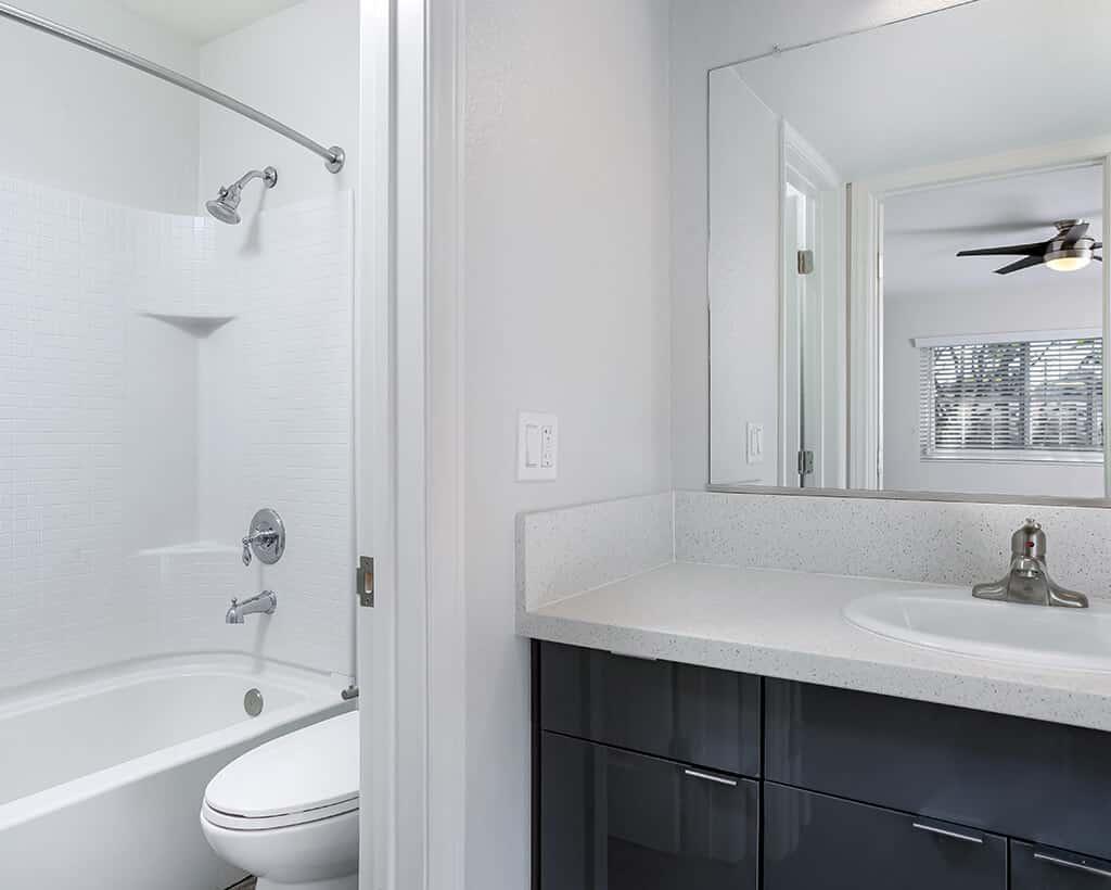 Bathroom showing the sink and bathtub