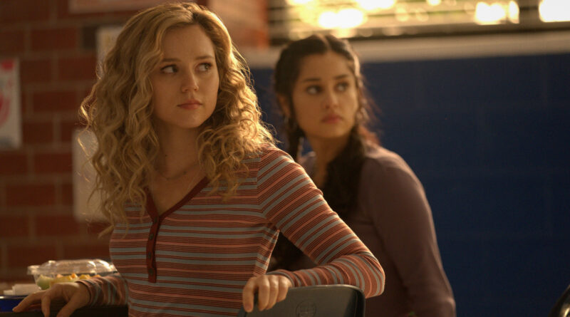 Stargirl Season 2 Summer School Chapter One Recap/Review The Nerdy Basement