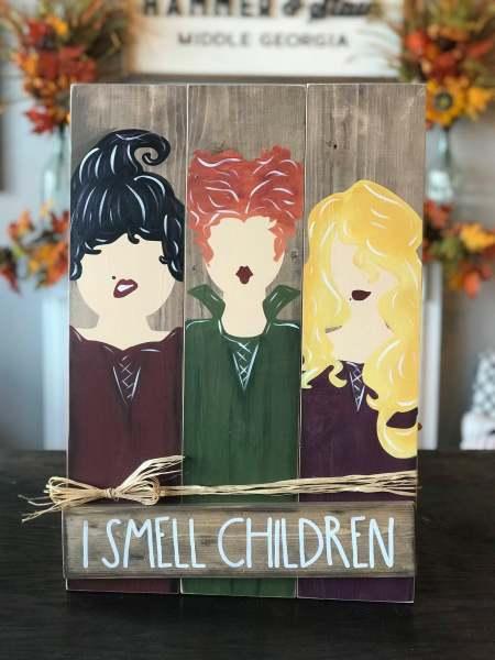 Pallet-Sanderson-Sister-I-Smell-Children