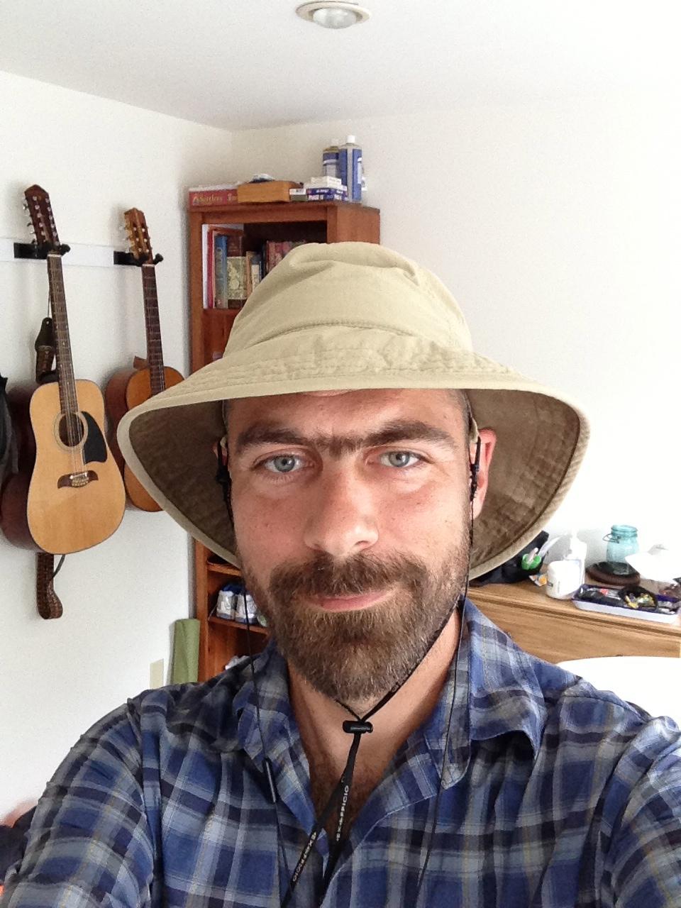 New walkin' hat and shirt