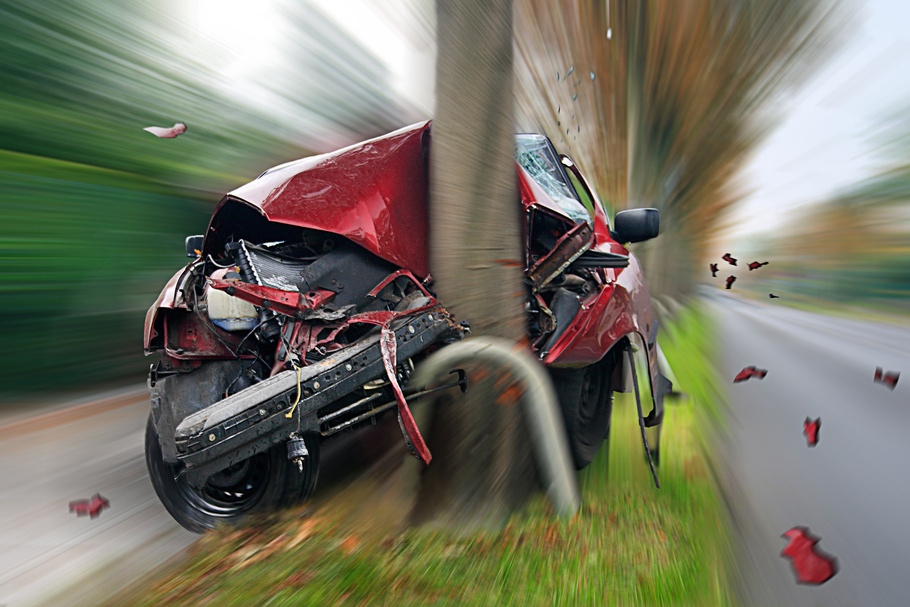 car collision with tree