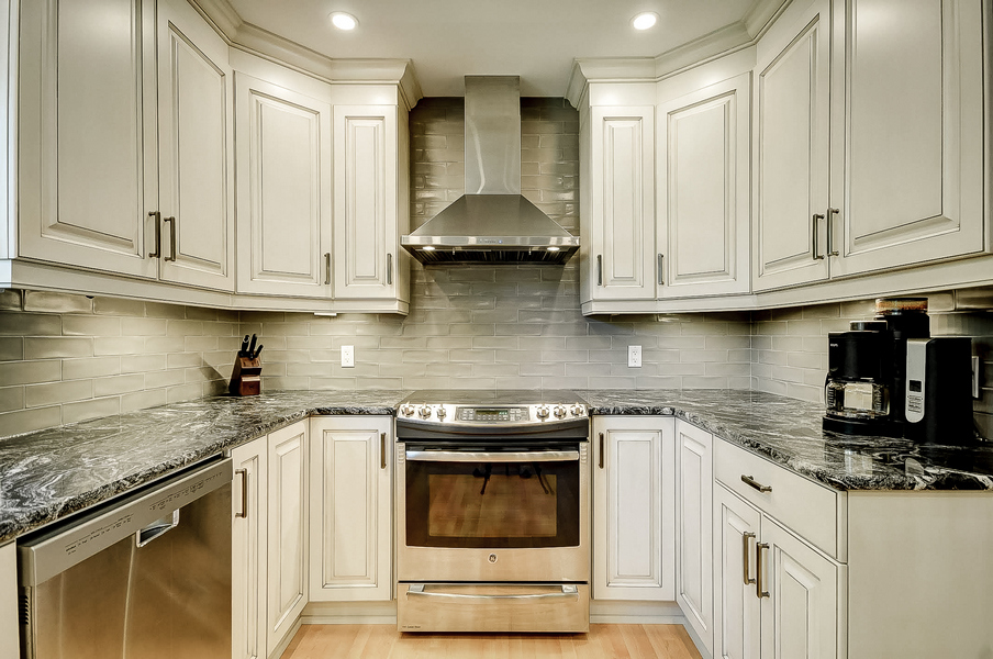 cost to refinish cabinets