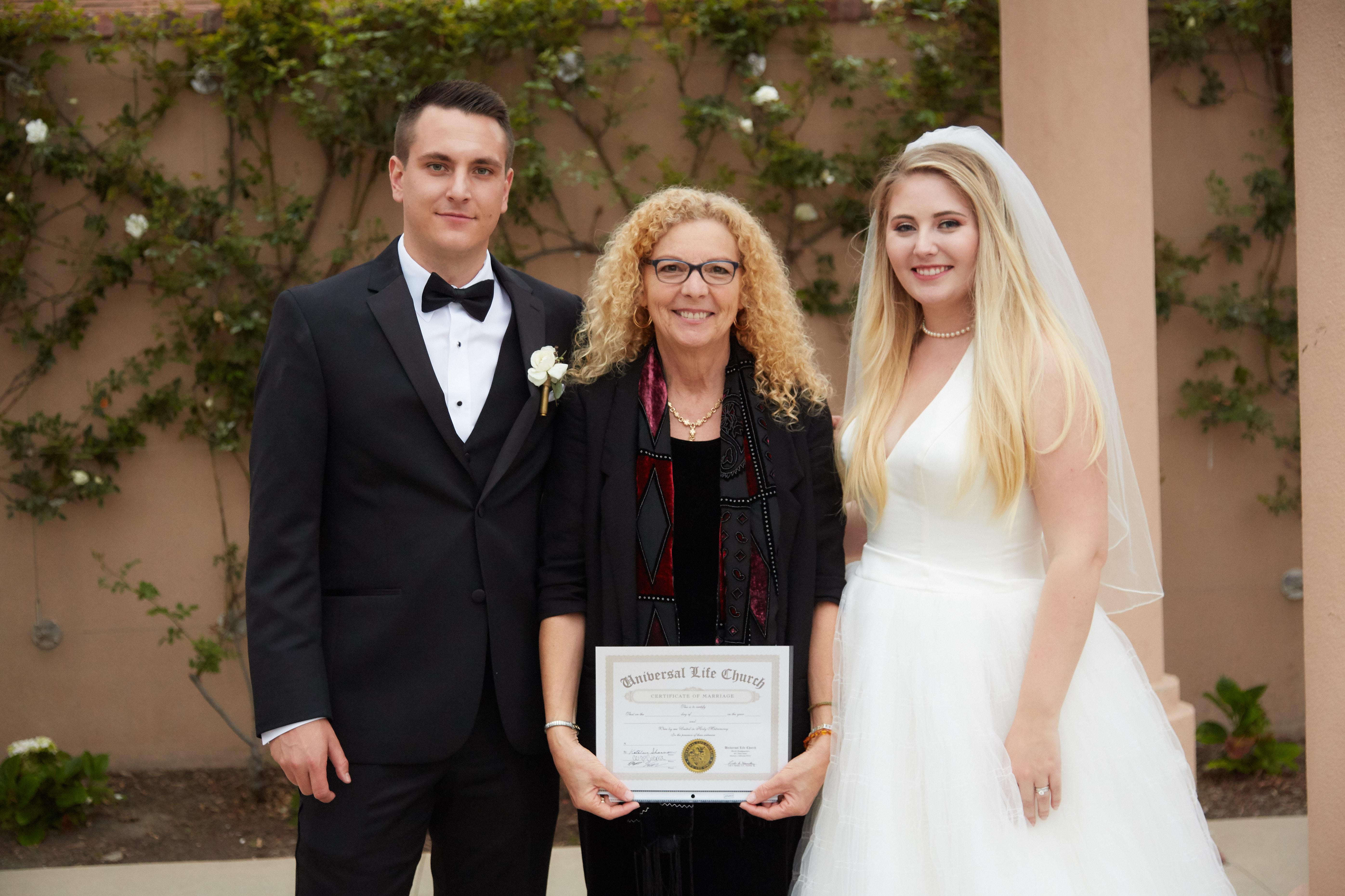 Wedgewood wedding couple w certificate