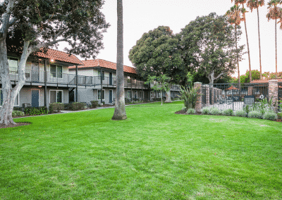Picnic area in The Courtyards and Tierra Palms Apartment Homes