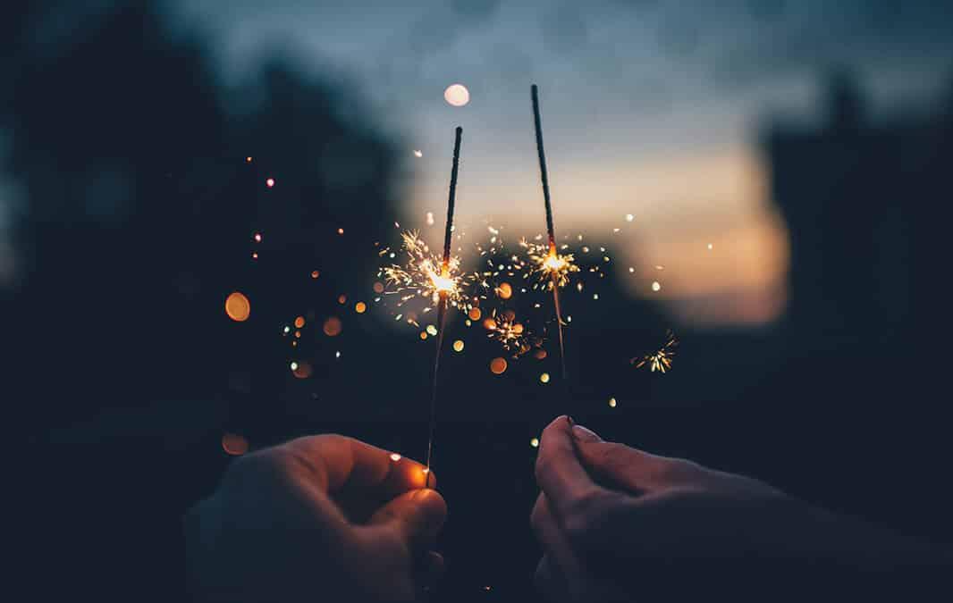 Holding sparklers