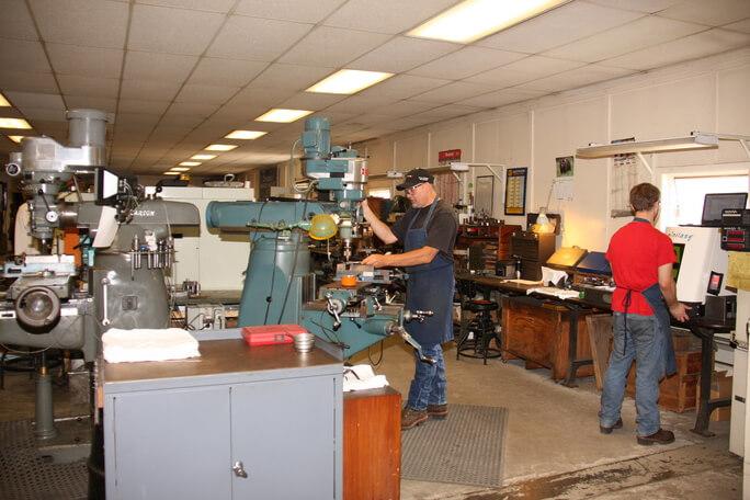 Brooks' Machine Products | Machine Operators