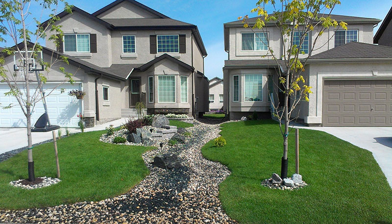 Winnipeg landscaping company, Winnipeg landscaping contractor, Hardscapes, landscape design , patios, walkways, driveways, complete landscape company, water features, outdoor living, outdoor kitchens
